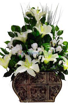 Yapay çiçeklerden Sadıklı Aranjman