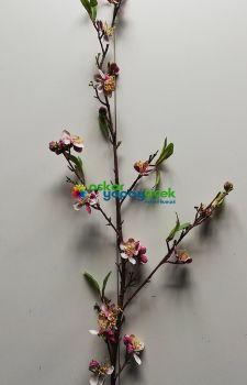 Yapay Kiraz çiçeği dalı